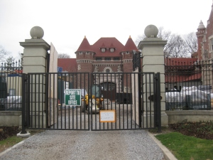 30. Casa Loma Stables