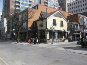 43. Yorkville Avenue and Bellair