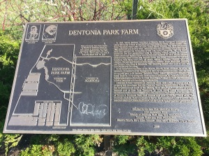 Dentonia Park Farm plaque