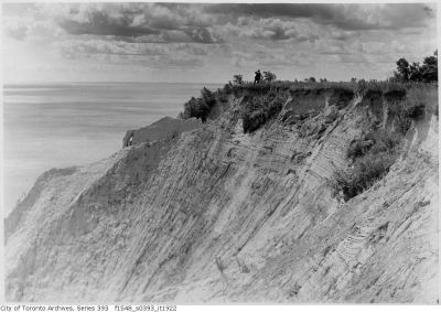 Scarborough Bluffs - pierced rock from above 1909